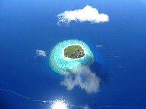 Мальдийский Островок с тучкой