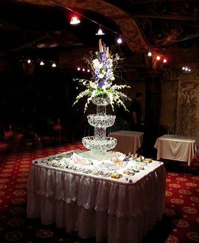 Ледяная ваза для цветов