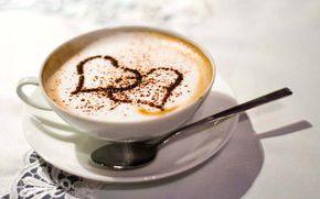 Сердечко из шоколадной стружки на пенке в кофе