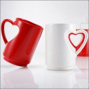 Кружки с любовной символикой