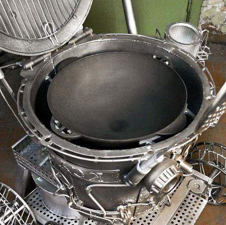 В мангал можно поставить сковородку