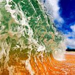 Тот, кто фотографирует внутри волны